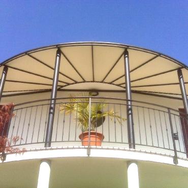Pergole/strutture con copertura fissa